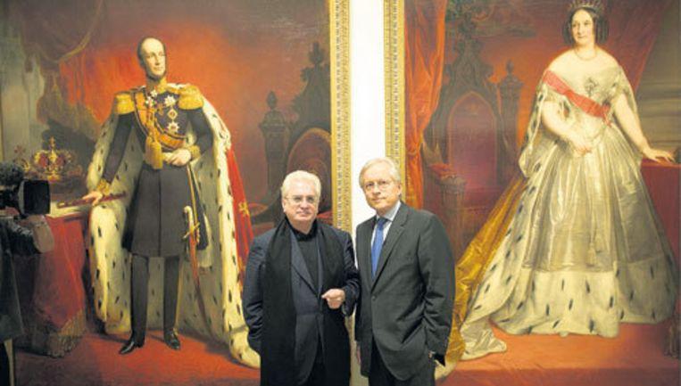 Michail Piotrovsky (l.) van de Hermitage Sint-Petersburg met collega Ernst Veen van de Hermitage Amsterdam in het nieuwe museum. Foto Peter Elenbaas Beeld