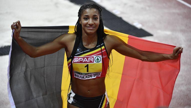 Nafi Thiam viert begin maart haar overwinning in de vijfkamp tijdens het EK in Belgrado. Beeld BELGA