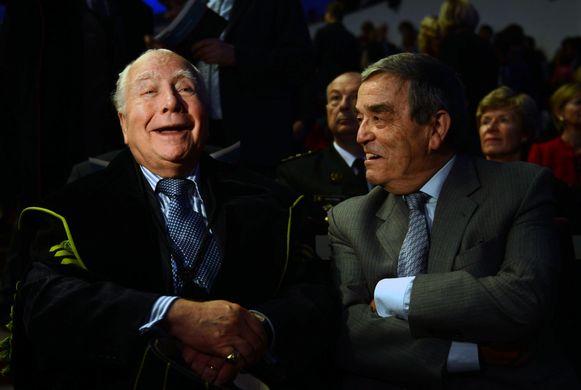 Mark Eyskens en Louis Tobback zijn generatiegenoten en kunnen het ondanks politieke meningsverschillen goed met elkaar vinden.