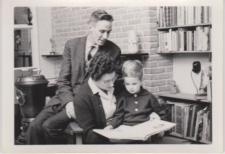 Met ex-man Bram Mojet en oudste zoon Mart in 1962. Beeld   privécollectie