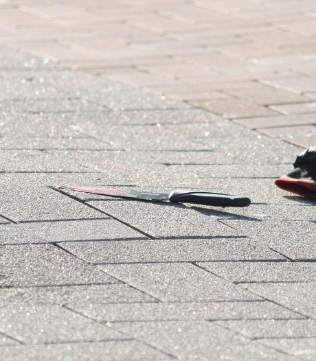 Tiener opgewacht door groep bij station Oosterflank na 'gedoe' op sociale media, overleeft het maar nét