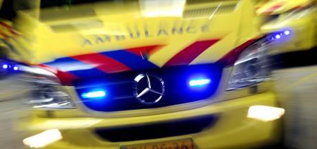 Vrouw gewond bij botsing tussen personenauto en vrachtwagen bij Julianadorp