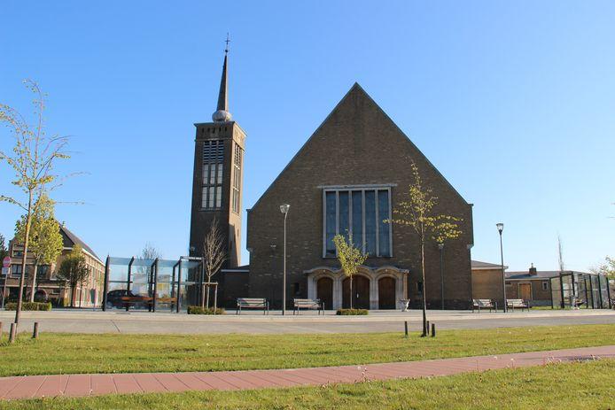 De kerk in Hille biedt tijdelijk onderdak aan de bibliotheekcollecties van Wingene en Zwevezele.