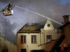 Grote uitslaande brand in leegstaand monument in Boxtel