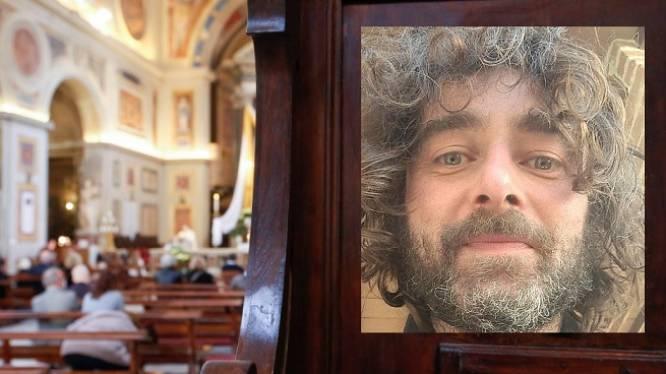 Italiaanse priester bekent tijdens zondagsmis dat hij verliefd is op een vrouw