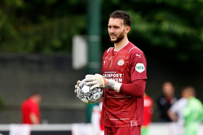 Joël Drommel is de keeper van PSV in het duel met PAOK Saloniki en ook tegen Galatasaray.