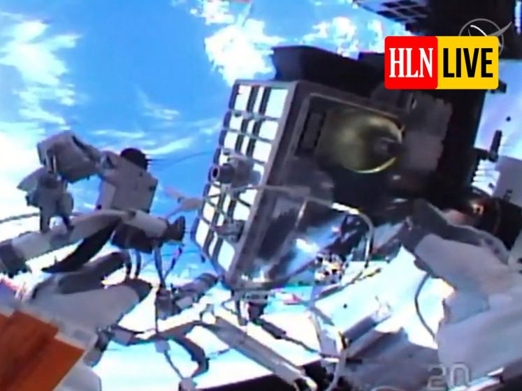 Volg hier live de 'spacewalk' van de NASA-astronauten aan het ISS