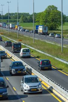 Hele dag al lange files op A50 tussen Zwolle en Apeldoorn: dit is de oorzaak