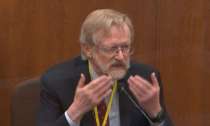 Dr. Martin Tobin getuigt tijdens het proces tegen Derek Chauvin.