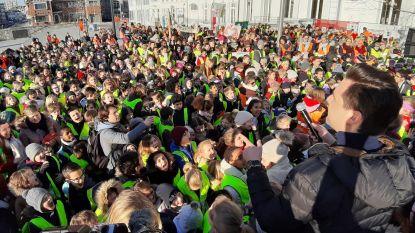 VIDEO. Ruim 1.000 leerlingen dansen en zingen tegen pesten