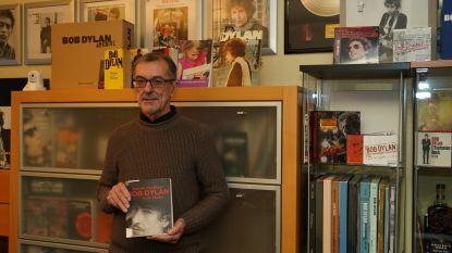 Luc stelt Bob Dylan-collectie in  de bib voor