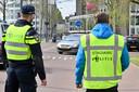 De grote politiecontrole in Arnhem.