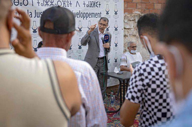 Premier Saad-Eddine El-Othmani, leider van de gematigd islamistische PJD, tijdens een campagnebijeenkomst in Sidi Slimane, 120 kilometer ten noordoosten van Rabat. Vanwege corona zijn bijeenkomsten van meer dan 25 mensen verboden. Beeld AFP