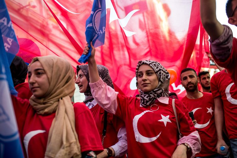 Aanhangers van Erdogan. Beeld AFP