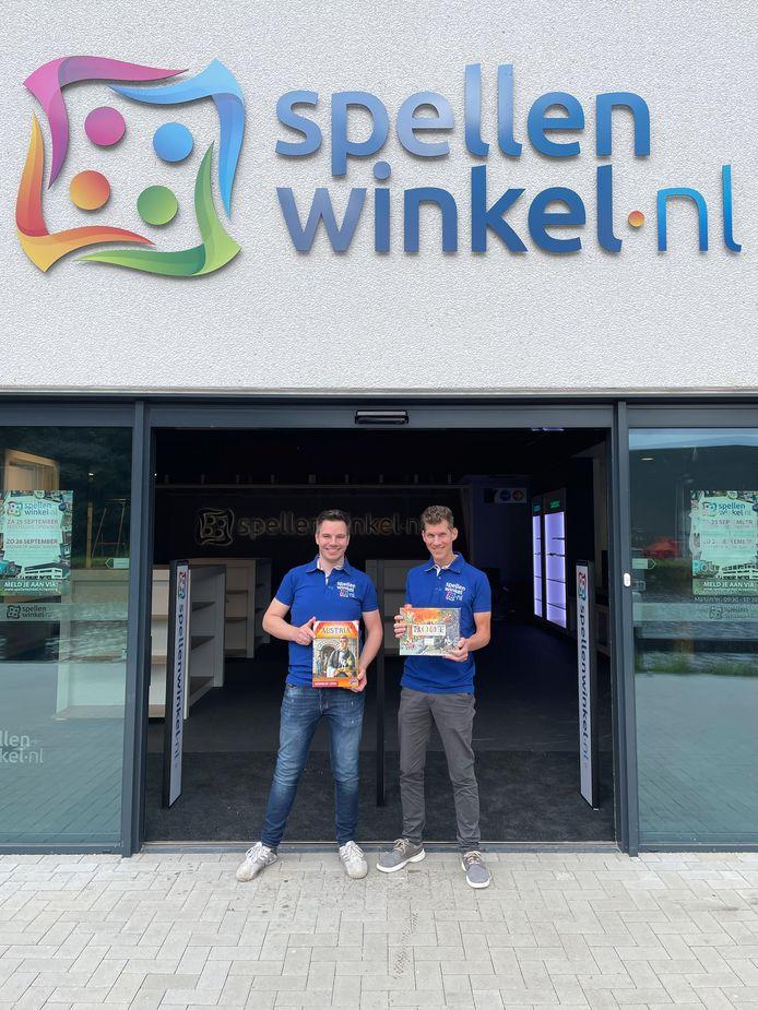 Ralf Heersma en Jan van der Ham, twee oude schoolvrienden, openen 25 september de grootste spellenwinkel van Nederland.