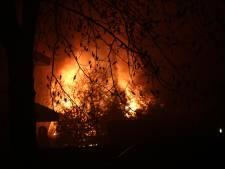 Uitslaande vlammen bij schuurbrand in Oldenzaal