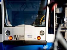 Tram 26 botst met auto op IJburg