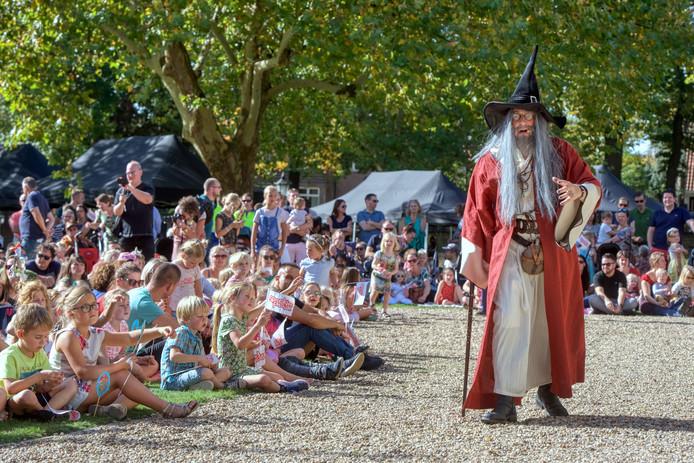 Start van het Sprookjesfestival 2018 op Landgoed Bronbeek in Arnhem.
