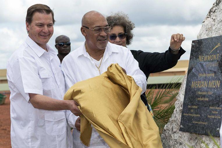 President Desi Bouterse bij de opening van een goudmijn. De grote vraag is wat hij nu gaat doen om te voorkomen dat de militair aanklager Roy Elgin de strafeis tegen hem uitspreekt. Beeld null