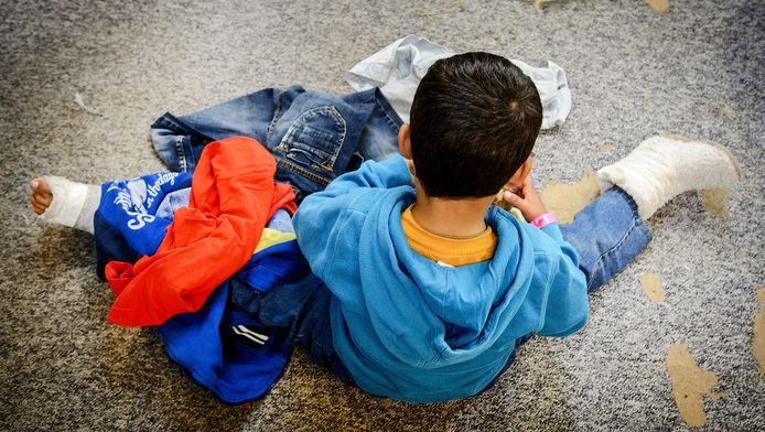 Een jonge vluchteling in de Westlinge-gevangenis in Heerhugowaard