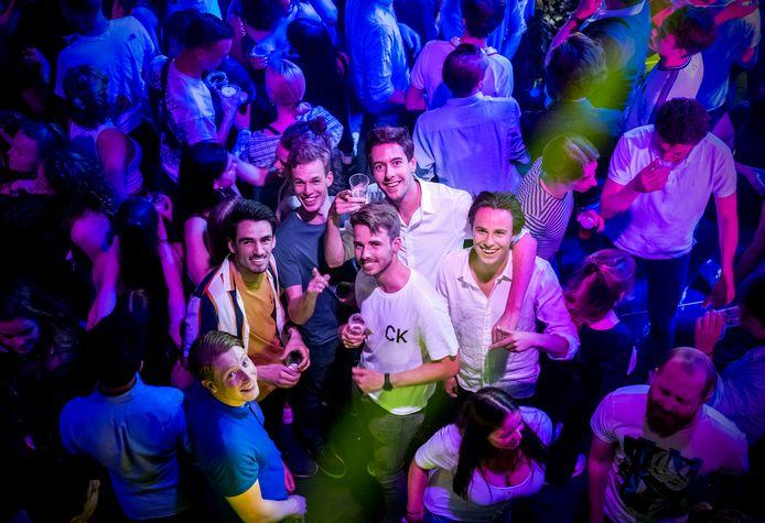 Club Annabel -- Het is weer als van ouds, de clubs zijn weer open het nachtleven is weer opgang gekomen in Rotterdam.