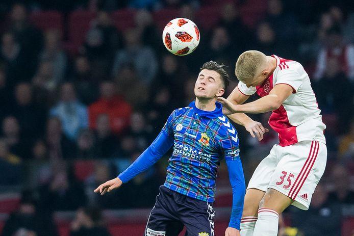 Giovanni Büttner viel in de 72ste minuut in voor Jaroslav Navrátil en maakte daarmee in de Johan Cruijff Arena zijn officiële debuut voor Go Ahead Eagles.