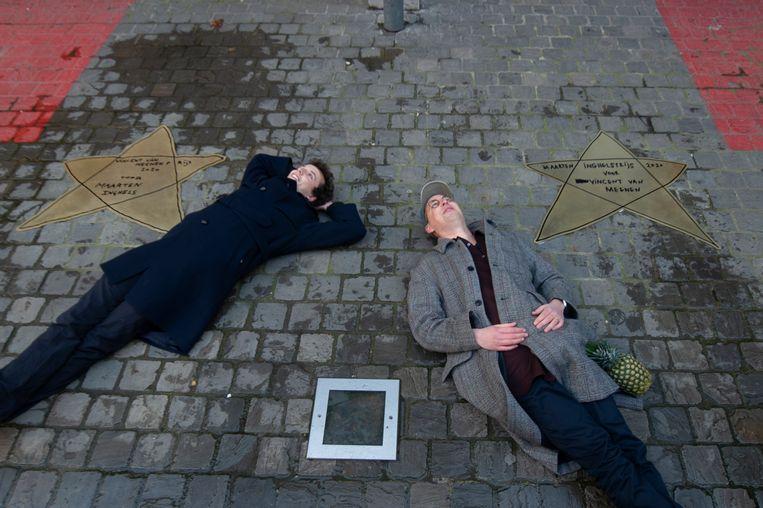 De koperen sterren doen volgens de Joodse gemeenschap te veel denken aan de Davidster. Beeld Klaas De Scheirder