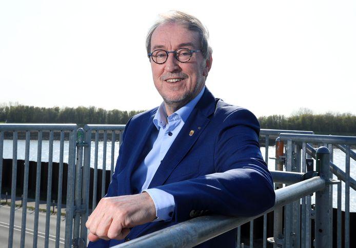 Oud-burgemeester Jan Lonink