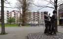 Het beeld 'Over de ruggen van vier generaties' van Jan Kip verdween tijdens de opknapbeurt van het centrum naar de opslag.