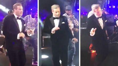 VIDEO: 40 jaar na 'Grease' is John Travolta zijn dansmoves duidelijk nog niet verleerd