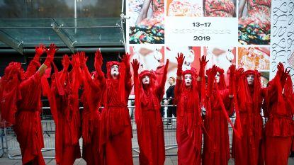 Klimaatactivisten kapen Londense modeweek