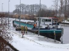 Binnenvaartschip in problemen bij Schijndel: machinekamer vol water gelopen