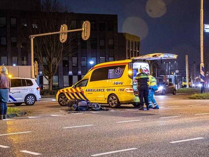 Botsing scooter en auto in Nieuwegein.