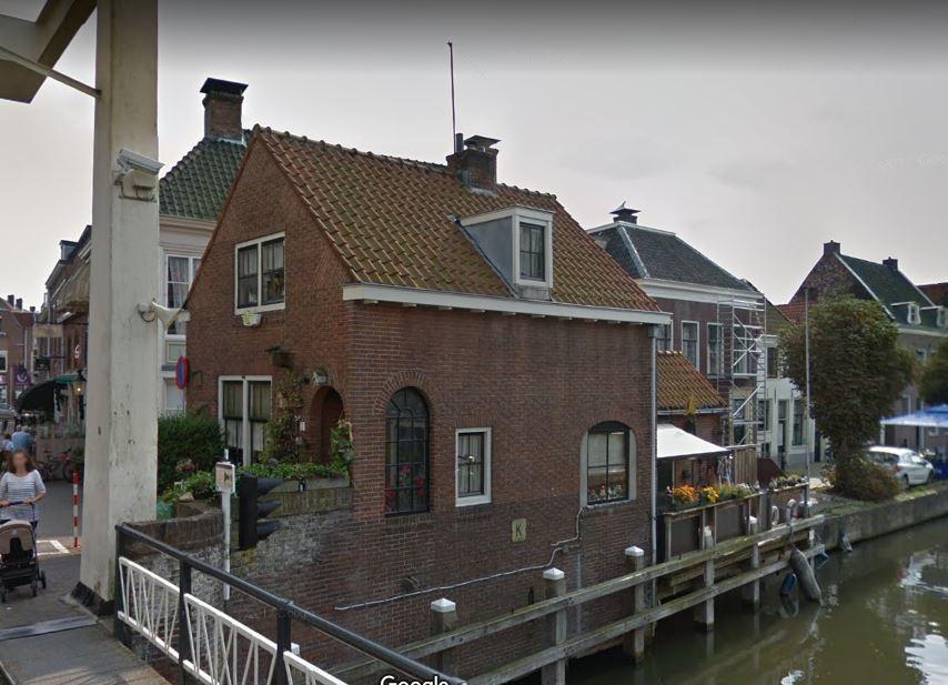 De brugwachterswoning in Maarssen.