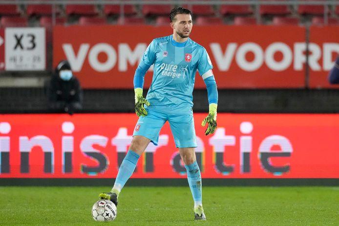 Joël Drommel in actie voor FC Twente.