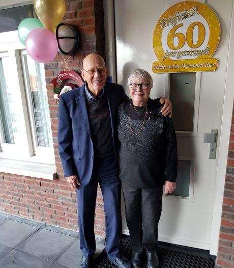 Diamanten paar Toon en Mien Adams-Van Doren uit Eersel; 'Een huwelijk is net een toneelspel'
