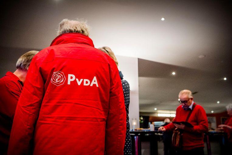 PvdA-leden tijdens de ledenraad in het Beatrix gebouw. Beeld anp