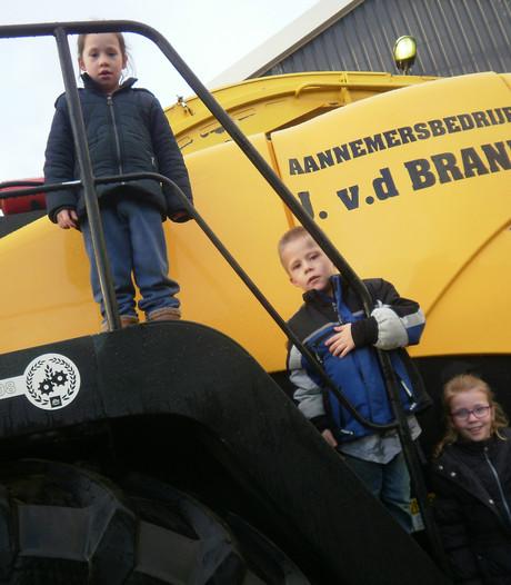 Aannemersbedrijf Van den Brand viert 50-jarig bestaan