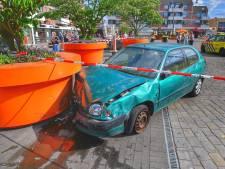 62-jarige man rijdt in op terras in Veldhoven: vijf gewonden