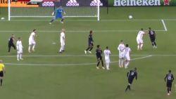 """""""Doordeweekse magie"""": herrezen Rooney pakt Amerika met briljante goal én knappe cijfers helemaal in"""