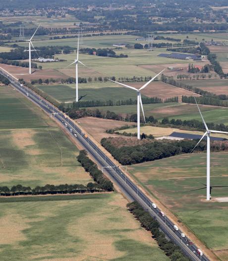 Windmolen langs A58 mag ook 's nachts draaien: tegenvaller voor bv van Heukelomse varkensboer