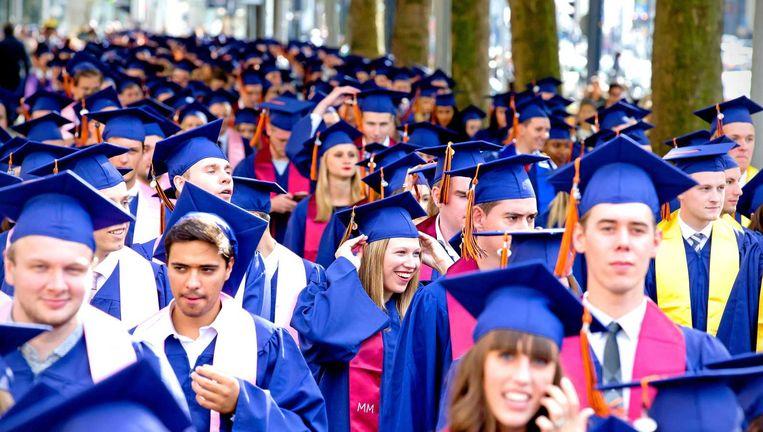 Ruim 700 studenten van de Rotterdam School of Management krijgen hun diploma. Beeld ANP