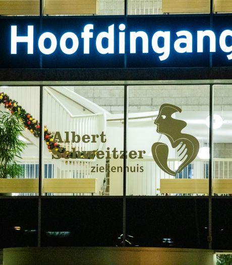 Nog elke dag worden er één of twee coronapatiënten opgenomen in het Albert Schweitzer ziekenhuis
