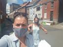 Opbouwwerkers Marilène en Judith gingen bij zeventien kwetsbare Ronsenaars langs en bundelden hun dagboekverhalen.
