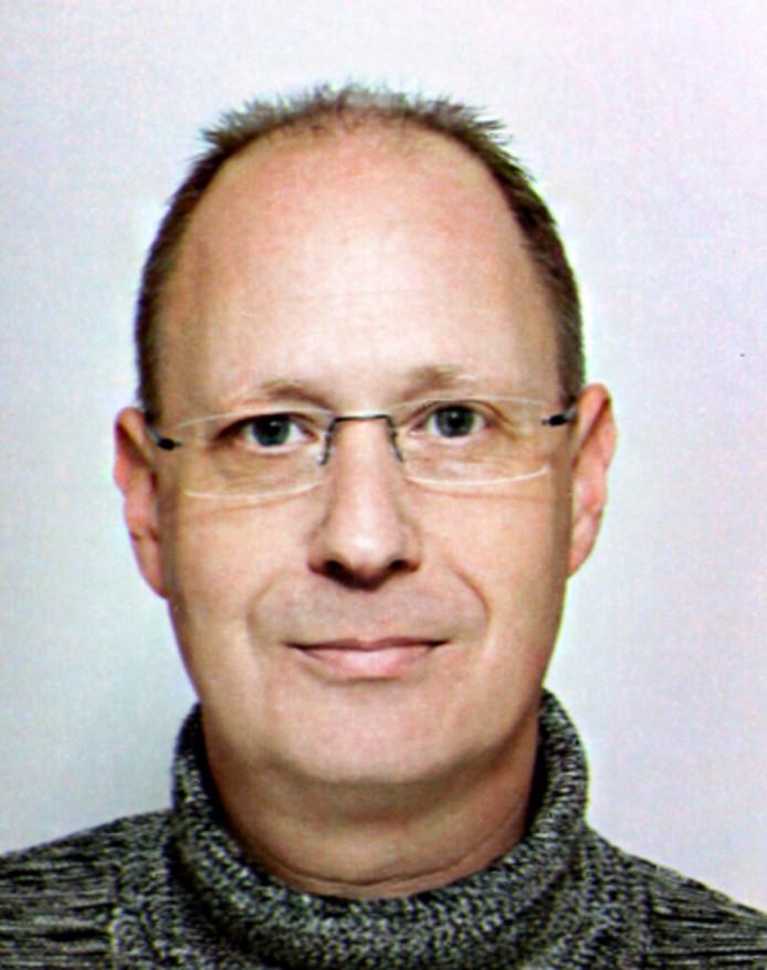 Archeoloog Jeroen Ras woont zelf ook in Strijen.