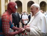 Spider-Man op 'audiëntie' bij de paus