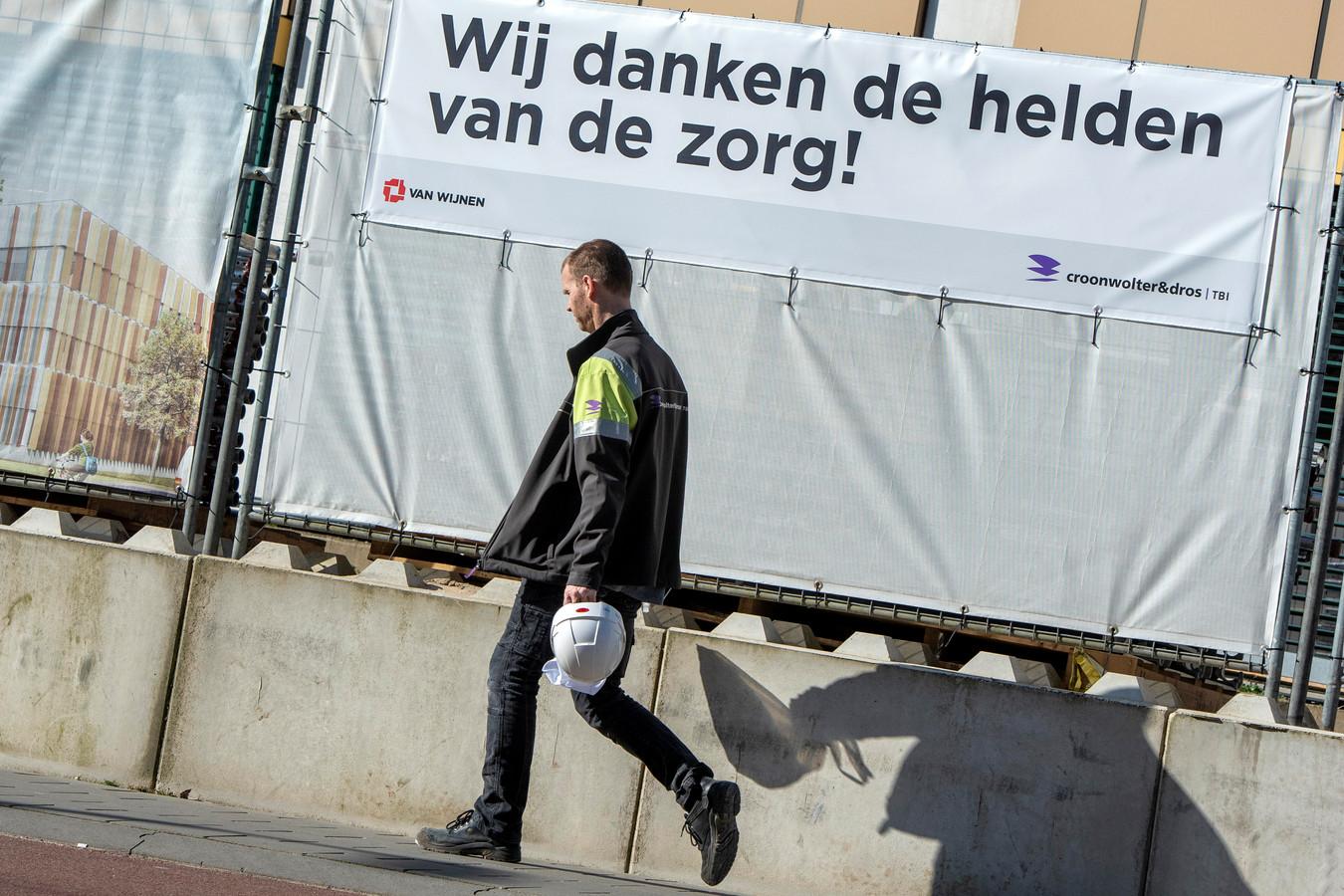 Arnhem, 23 maart 2020. Steunbetuiging aan mensen in de zorg bij Ziekenhuis Rijnstate. Foto: Gerard Burgers