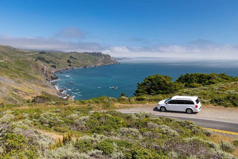 De bijna verlaten Pacific Coast Highway One, net ten noorden van San Francisco, is spectaculair. Beeld JONATHAN VANDEVOORDE