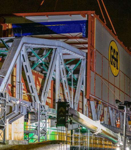 Overkapping brug Grave weer stukje verder
