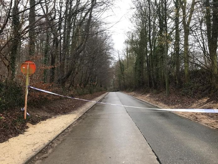 De straat waar het ongeval gebeurde, werd afgezet.